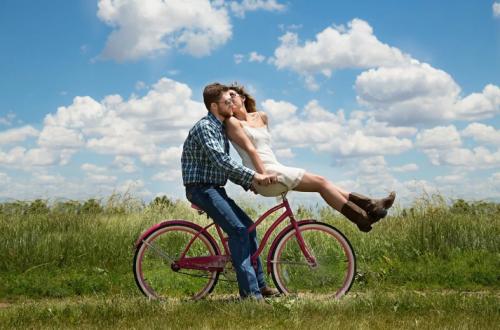 רשימת סדרות אהבה מומלצות עם הרבה רומנטיקה