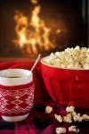 סרטים בבית: איך לצפות בסרטים בלי לצאת מהבית?